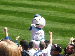 Mr. Met in 2009