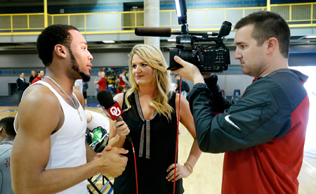 SoonerSports.TV reporter Jessica Coody was able to help out the SoonerVision team since she served as sideline reporter for the Turner Sports/CBS TeamStream production of the Sooners' game on Saturday night.