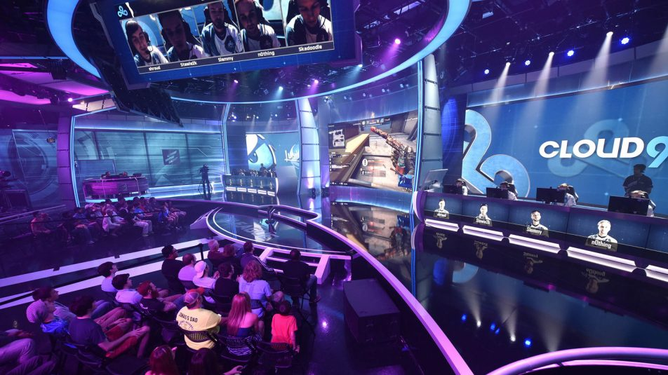 On Fridays, the competition final has a studio audience and is telecast in primetime on TBS.