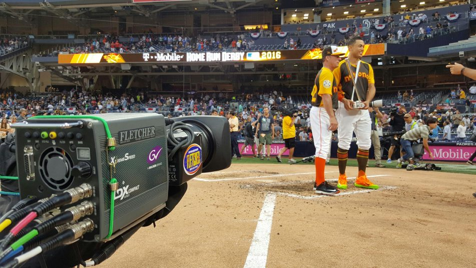 ESPN utilized a Grass Valley LDX 6x super-slo-mo as a robotic for the first time at the Derby just in front of home plate.