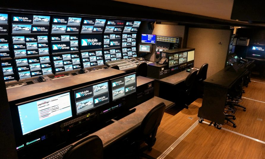 Mobile TV Group Rolls Out Latest Side-by-Side Dual-Feed Truck With 40HDX, 40VMU