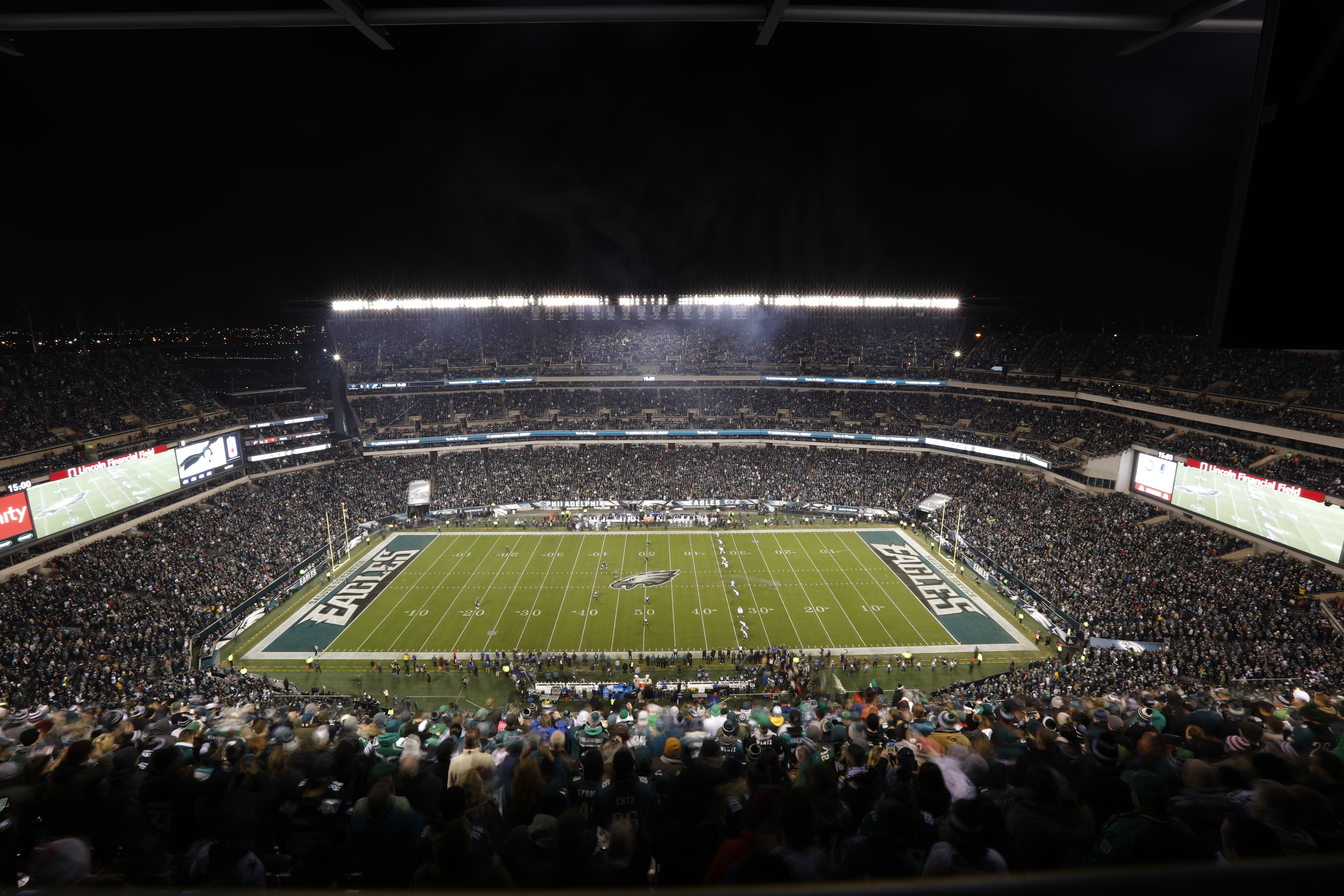 lincoln financial field flies high with sony hdc