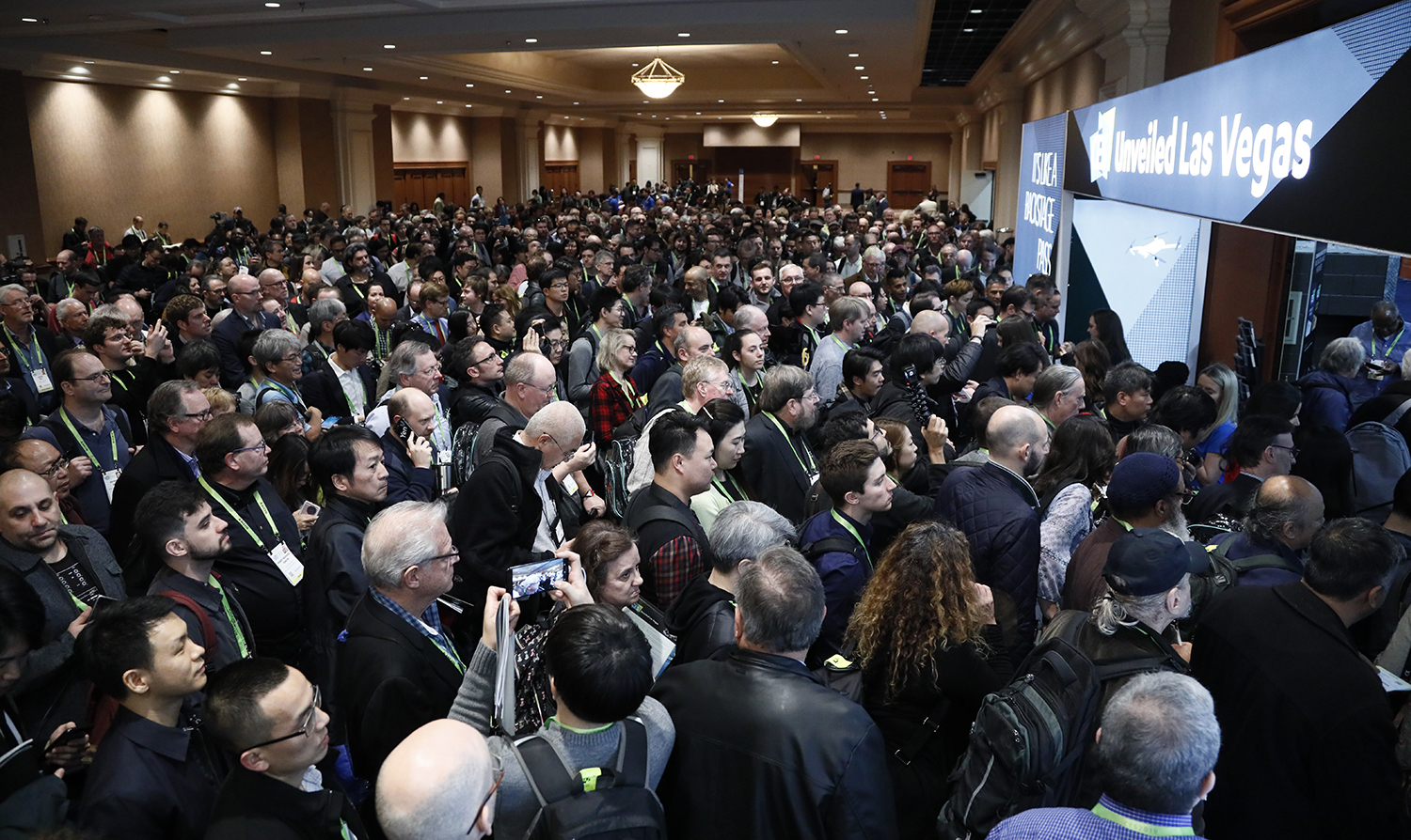 CES 2019 Media Days Roundup: 8K, 5G, VR, and AI Among Early